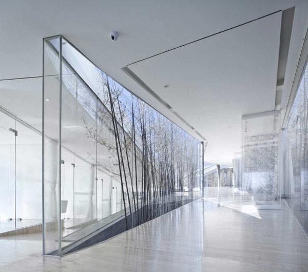 Lighting Design House: Skyltar, Butiksinredning, Pyloner